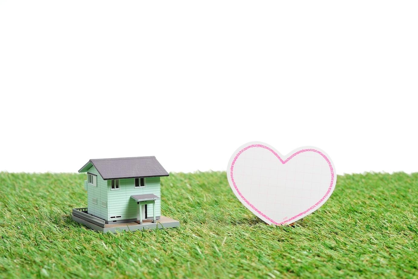 【賃貸でも一戸建て?】アパートやマンションには無い魅力!一軒家に住むメリットとデメリット