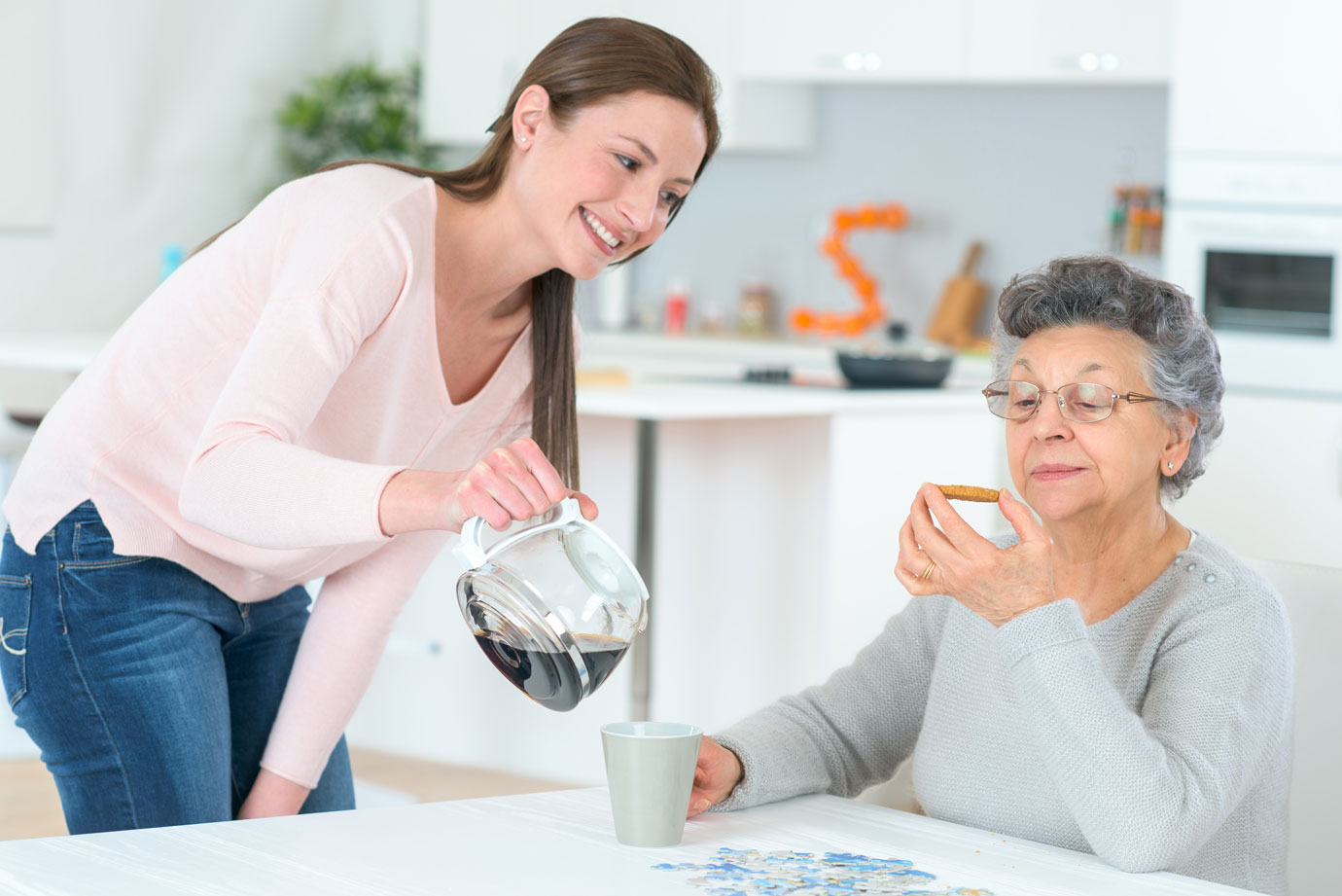 両親・祖父母が一人暮らしになったら?知っておきたいサービス付き高齢者向け住宅(サ高住・サ付き)の基礎知識